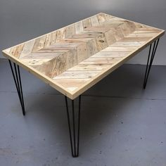Reclaimed Pallet Wood Double Chevron Design dining Table with 3-Bar Hairpin…
