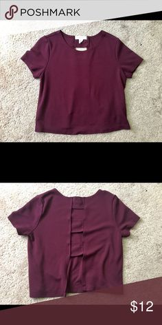 Maroon crop top A cute & simple crop top :) it's a solid color, maroon. The back is somewhat open. There are three blocks/straps. Forever 21 Tops Crop Tops