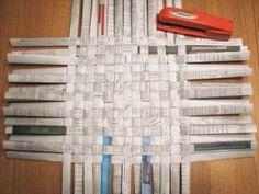 Newspaper/Magazine basket weaving tutorial. by emily.m.ortiz