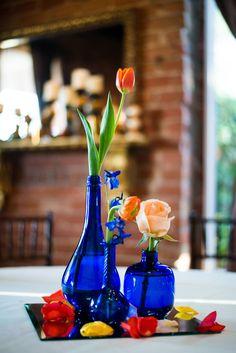 Blue Vase With Orange Flower Centerpieces Electric Blue Weddings, Cobalt Blue Weddings, Cobalt Wedding, Blue Wedding Centerpieces, Bridal Shower Centerpieces, Glass Centerpieces, Wedding Vases, Fall Wedding, Centrepieces