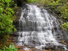 25 Stunning waterfalls in SC