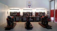 Maurizio Perlini Meccanica - Ducati Corse Factory SBK Supplier 2014 - Workshop overview. Attrezzatura Beta Utensili!