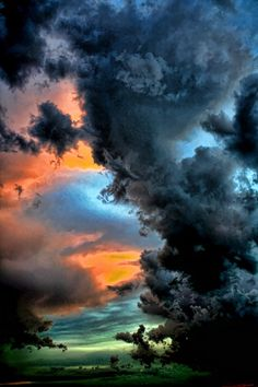 Gorgeous Click of Nature Pink sky Unbelievable Rainbow and clouds All Nature, Amazing Nature, Science Nature, Beautiful Sky, Beautiful World, Beautiful Images, Storm Clouds, Sky And Clouds, Black Clouds