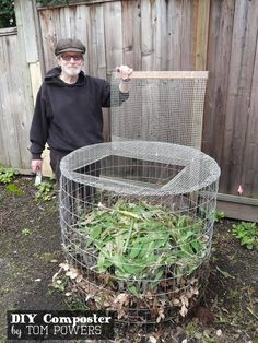 to Make a Yard Waste Bin DIY compost bin made from hardware cloth readily available at home supply stores like Home Depot.DIY compost bin made from hardware cloth readily available at home supply stores like Home Depot. Design Jardin, Garden Design, Farm Gardens, Outdoor Gardens, Garden Farm, Veggie Gardens, Family Garden, Garden Beds, Organic Gardening