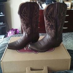 Cowgirl boots Genuine Brown leather, size 7.5, only wore maybe 3 times excellent condition. NOCONA BOOTS est. 1925 Shoes