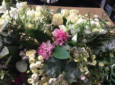 F46 Casket Flowers, Casket Sprays, How To Memorize Things, Floral, Plants, Beautiful, Florals, Planters, Flower