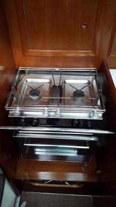 Twin-burner cooker
