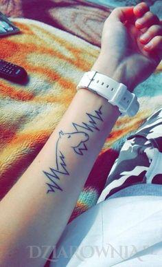 Tatuaż Koń + rytm serca - zwierzęta, na przedramieniu, dla kobiet