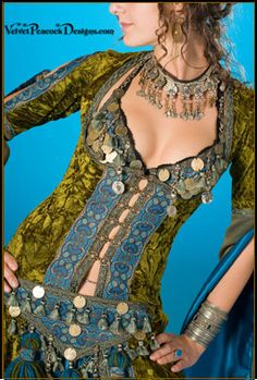 *Love* this. Can't wait until I've recovered from having this baby so I can pick bellydance back up.