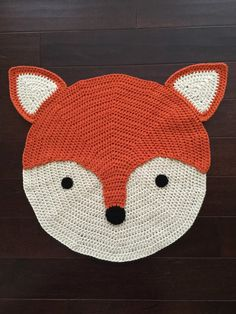 Crochet Fox Rug von PeanutButterDynamite auf Etsy - [board_name] - Teppich Crochet Diy, Crochet Home, Crochet Crafts, Crochet Projects, Crochet Rugs, Baby Knitting Patterns, Crochet Rug Patterns, Animal Rug, Crochet Carpet