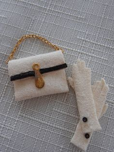 dolls houses and minis: How to Make 1:12 Scale Gloves and Bags