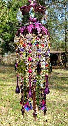 Bohemian Gypsy Love Petite Jeweled Crystal by sheriscrystals Crystal Wind Chimes, Glass Wind Chimes, Bohemian Gypsy, Bohemian Decor, Bohemian Clothing, Bohemian Living, Sun Catchers, Diy Lampe, Deco Boheme