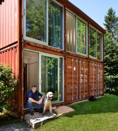 Adam Kalkin has designed a home with the name of the Old Lady House but it is far from being a cosy cottage for a granny. Instead it is a modern masterpiece designed from three shipping containers in Califon, NJ. The home is spread out over three containers wide and two tall and it has sides that are made almost entirely out of glass. - interestingengineering.com