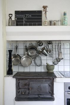 Swedish old kitchen wood burning stove in cast iron. Vedspis.