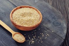 Health benefits of Quinoa: Quinoa pronounced Keen-wah has been hailed as a 'Superfood' for generations here are some great reasons why! Nutritionally, quinoa is considered a whole gr Quinoa Nutrition, Quinoa Protein, Protein Bites, Protein Snacks, High Protein, Blueberry Quinoa Salad, Quinoa Salad Recipes, Complete Protein, How To Cook Quinoa