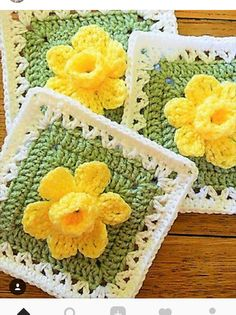 Crochet Granny Square [Free Pattern] Extraordinarily Beautiful Daffodils Square with Pop-up Petals Crochet Motifs, Crochet Blocks, Granny Square Crochet Pattern, Crochet Flower Patterns, Crochet Squares Afghan, Crochet Granny, Crochet Blanket Patterns, Crochet Designs, Crochet Flowers
