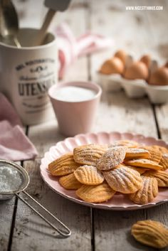 DIY Rezept: Madeleines backen // baking recipe for madeleines via DaWanda.com