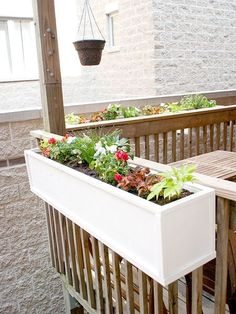 In: Part 2 DIY flower boxes- think we'll do this on the front deck.DIY flower boxes- think we'll do this on the front deck. Diy Flower Boxes, Diy Flowers, Railing Flower Boxes, Flower Beds, White Flowers, Deck Planters, Balcony Planter Box, Plants On Deck, Railing Planter Boxes