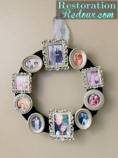 Photo Frame Wreath Tutorial www. Frame Wreath, Diy Wreath, Wreath Ideas, Gold Wreath, Wreath Crafts, Vintage Photo Frames, Vintage Photos, Picture Wreath, Bouquets