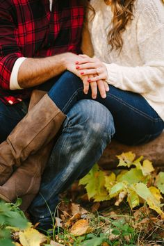 Fall engagement photo poses and photo ideas Winter Engagement, Engagement Couple, Engagement Pictures, Engagement Shoots, Wedding Engagement, Fall Engagment Photos, Engagement Nails, Proposal Pictures, Engagement Photo Outfits