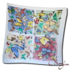 Hodvábna šatka – MOTÝĽE je pestrofarebná hodvábna šatka MOTÝĽE Vás rozveselí v každom počasí. Pestré farby a nádherné maľby motýľov rozveselia každého. Motýľ je symbolom prelietavosti, pár motýľov symbolizuje šťastné manželstvo a biely motýľ stelesňuje ducha zosnulého. http://www.kozene.sk/