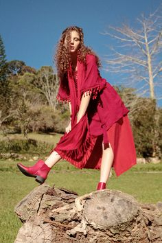 Bota Vermelha 136829 Country Life, High Low, Dresses, Fashion, Beige Boots, Red Boots, Rouge, Black, Colors
