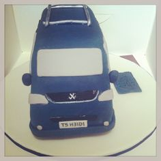 T5 Transporter, Vw T5, Celebration Cakes, Birthday Cakes, Celebrities, Christmas, Bags, Fashion, Shower Cakes