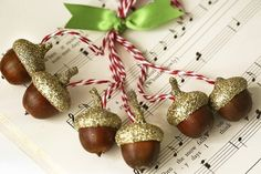 Cute Christmas tree ornaments - Acorns with gold caps