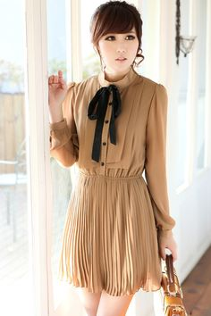 Romwe Contrast Bowknot Pleated Khaki Dress