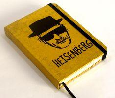Caderno artesanal estilo sketchbook, formato pocket, com o tema Breaking Bad (seriado de TV).