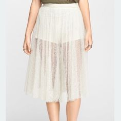 Free People Lacey Culotte - NWT! PRICE FIRM 🔴This price is lowest and FIRM🔴IGNORING ALL OFFERS🙈Brand new! I have one and it look so much cuter on than pictures. A must have! Great for the summer to fall look! Dress it up or down. Beautiful piece to add to your closet! Free People Skirts