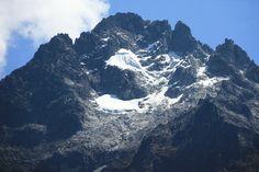 El Teleférico de Mérida une a la ciudad de  con el Pico Espejo, ubicado en el parque nacional Sierra Nevada en Los Andes venezolanos.Es el más alto y segundo más largo del mundo por sólo 500 metros.