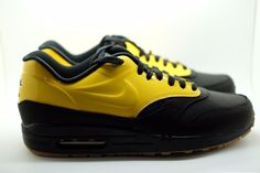 Pittsburgh Shoes mens 8 Womens 9.5