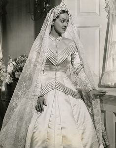 """Bette Davis in """"The Old Maid"""" Costume design by Orry-Kelly (born Orry George Kelly). This dress reminds me of the one in the 1950 movie """"Father of the Bride"""". (Link is dead. Movie Wedding Dresses, Wedding Movies, Hollywood Costume, Hollywood Fashion, Hollywood Wedding, Vintage Hollywood, Orry Kelly, Divas, Image Halloween"""