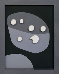 Jean Arp, Configuration, 1932. Relief en bois peint, 69,9 x 55 x 3,5 cm Photo: Robert Bayer, Basel
