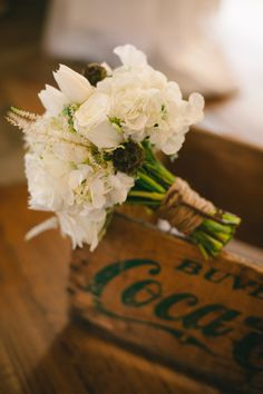 Winter White Rustic Chic Flowers With An Earthy Organic Feel & Pops Of Cotton Diy Wedding Video, Wedding 2015, Dream Wedding, Wedding Ideas, Wedding Pictures, Garden Wedding, Wedding Inspiration, White Wedding Bouquets, Floral Wedding