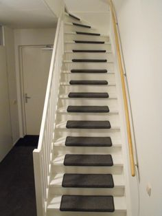 Discount Carpet Runners By The Foot Product Finishing Stairs, Open Trap, Open Stairs, Bedroom Layouts, Carpet Styles, Bedroom Carpet, Grey Carpet, Sisal, House