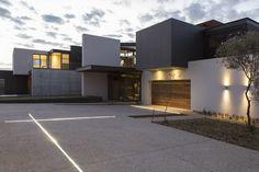 House Boz   Form   Nico van der Meulen Architects #Design #Architecture #Contemporary #Concrete #Light