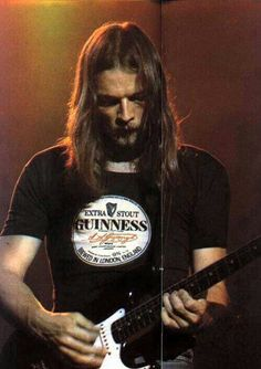 David Gilmour wearing a Guinness tee! David Gilmour Guitar, David Gilmour Pink Floyd, Jason Newsted, Richard Wright, Psychedelic Music, Good Daddy, Best Guitarist, Roger Waters, Funny Animal Quotes