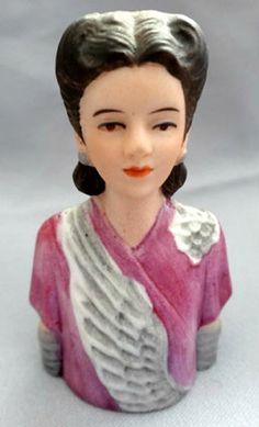 RP: Avon Lady of Fashion Porcelain Thimble Circa 1943 - etsy.com