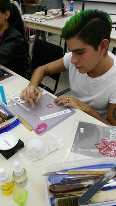 Alumnos de Universidad #Ibero conociendo la Técnica de #Joyería de #Plata #MetalClay #Metalesmoldeables #Platamoldeable #ArtClay #Silver #México