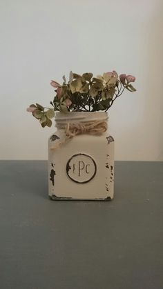 Vintage Style Shabby Chic upcycled Glass Jar Chalk Paint Ideas Vintage Style, Vintage Fashion, Paint Ideas, Glass Jars, Chalk Paint, Upcycle, Place Cards, Shabby Chic, Place Card Holders