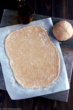 This easy whole wheat pizza dough recipe will have you creating delicious and healthy thin-crust pizzas in no time. This easy whole wheat pizza dough recipe will have you creating delicious and healthy thin-crust pizzas in no time. Pizza Dough Whole Wheat, Whole Wheat Pie Crust, Wheat Pizza Dough Recipe, Healthy Pizza Dough, Dough Pizza, Pizza Pizza, Pizza Cool, Pain Pizza, Thin Crust Pizza