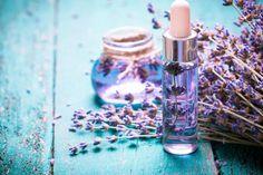 Ihr habtgenug von herkömmlichen Shampoos, wollt auf chemische Zusätze in Haarshampoos verzichten und dabei mehr an die Natur für eureHaare und eureKopfhaut denken? Greift zu individuellen Bio-Shampoos - selbst gemacht, so wisst ihr genau, welche Zusatzstoffe verwendet wurden.