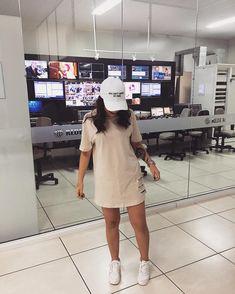 """33.6k Likes, 276 Comments - SNAP: oliiamandinha  (@oficialamandap) on Instagram: """"Já cheguei aqui na @redemassa e estarei ao vivo no programa Destaque! Darei dicas de maquiagem e…"""""""