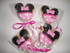 Hey, I found this really awesome Etsy listing at https://www.etsy.com/listing/195721555/6-minnie-mouse-cookie-lollipops-gourmet