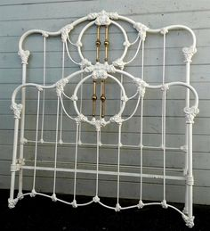 Beautiful Victorian with French curves on the outer perimeter tubing.