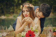 Una boda boho en otoño - All Lovely Party Boho Chic, Crown, Couple Photos, Couples, Party, Photography, Fashion, Boho Wedding, Weddings