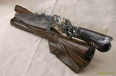 Красивое холодное оружие.