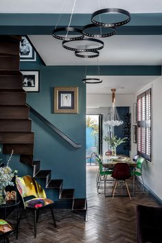 Tour a Tiny House in London's Brixton Full Of Clever Space-Saving Ideas Townhouse Interior, Townhouse Designs, London Townhouse, Maximalist Interior, Guest Bedroom Office, Narrow House, Corner House, Blue Walls, Old Houses